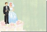 Свадебный торт полили глазурью из бриллиантов