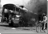 Неизвестные сожгли пассажирский автобус во Франции