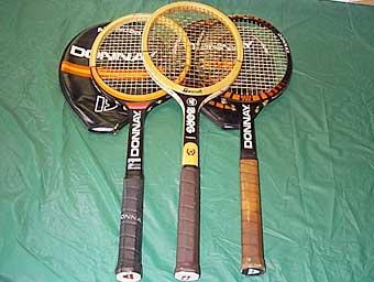 Ракетка легендарного теннисиста стала самым популярным лотом