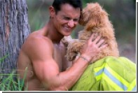 В Австралии выпустили календарь с обнаженными пожарными и щенками