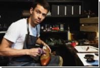 Российская марка Gottlieb Schwarz представила ботинки с емкостью для напитков