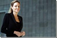 Репортеры нашли счастливую Джоли на побережье в Малибу