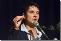 Лидера немецких правых осудили за сравнение мигрантов с компостом