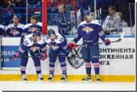 Игрок «Сибири» разбил заградительное стекло в матче КХЛ