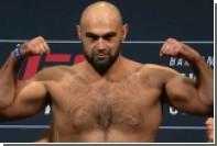 Российский тяжеловес Абдурахимов встретится с американцем Льюисом на турнире UFC