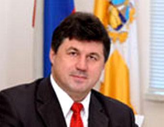 Ставропольский губернатор превратился из коммуниста в единоросса