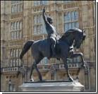 Британская власть окутана коррупцией
