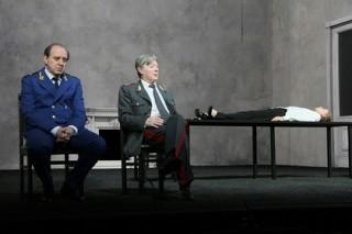 Марк Захаров снял с репертуара спектакль Богомолова из-за плохой посещаемости