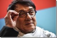 Джеки Чан замерз в России без теплой куртки