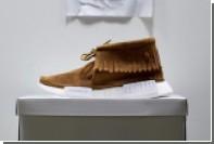 Дизайнер превратил кроссовки adidas в обувь индейцев