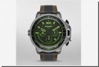 Итальянский бренд выпустил «брутальные» часы со светящимися стрелками
