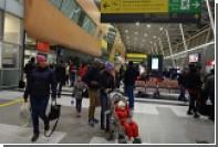 Летевший в Москву лайнер вынужденно сел в Казани из-за больного пассажира
