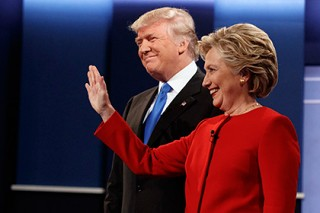 Трамп отказался от преследования Клинтон из-за почтового скандала