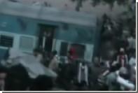 Число жертв железнодорожной катастрофы в Индии превысило 60