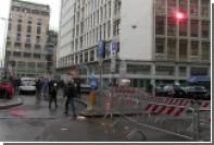 В Милане недовольные политикой правительства закидали полицейских овощами