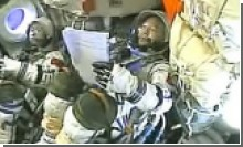 Китайские астронавты вернулись на Землю