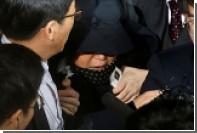 Власти Южной Кореи захотели арестовать гадалку президента