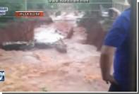 Сильный шторм вызвал наводнение и оползни в Парагвае