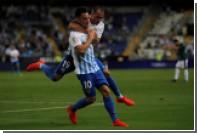 Испанский футболист забил гол со штрафного ударом от крестовины