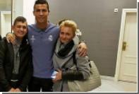 Роналду встретился с вышедшим из комы юным болельщиком