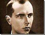 Во Львове продолжается сооружение памятника Степану Бандере