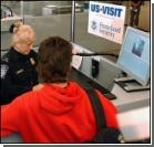 Безопасность по-американски - фото голых пассажиров?