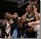 Драка в НБА: всех игроков дисквалифицировали, а матч не доиграли