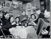 Скромность Новый год не украсит / 77% россиян проведут праздник дома