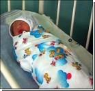 Трехнедельного малыша бросили в супермаркете