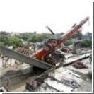 В Индии обрушился мост, есть жертвы