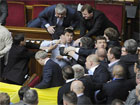 Вечерняя бойня в Верховной Раде. Пять депутатов травмированы, двое в тяжелом состоянии