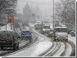 Снегопад парализовал работу аэропорта Гэтвик