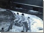 В центре Риги задержали голых британцев на деревянной лошади