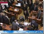 В румынском парламенте журналист спрыгнул с балкона в зал заседаний
