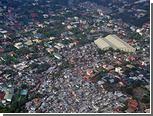 На Филиппинах самолет врезался в здание школы