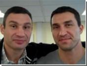 Братья Кличко поздравили болельщиков с Новым Годом на четырех языках (видео)