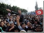 В годовщину революции президента Туниса забросали камнями