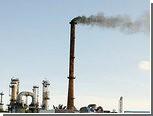 Поставки нефти из Венесуэлы в США упали до минимума за 30 лет