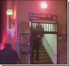 Сумасшедшая столкнула пассажира под поезд метро