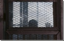 Свыше 700 обвиняемых в египетском суде не влезли в клетку