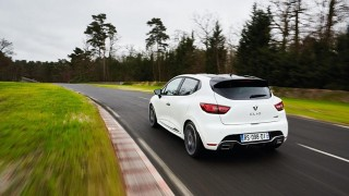 Renault Clio установил рекорд Нюрбургринга