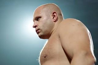 Емельяненко выиграл первый бой после возвращения на ринг