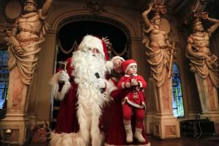 Развенчавшего миф о Деде Морозе итальянского дирижера выгнали из детского шоу