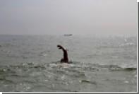 Пересекающий вплавь Атлантику британец пожаловался на медуз и рыбу в ухе