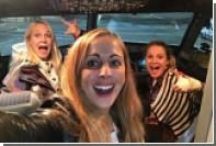 Три девушки оказались единственными пассажирками рейса в Лондон