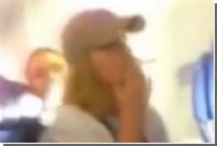 Курящий полураздетый пассажир вызвал переполох на борту лайнера Emirates