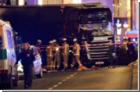 Девять человек погибли при наезде грузовика на толпу людей в Берлине