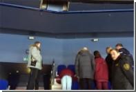 Выпавшая из VIP-ложи болельщица травмировала женщину во время матча КХЛ